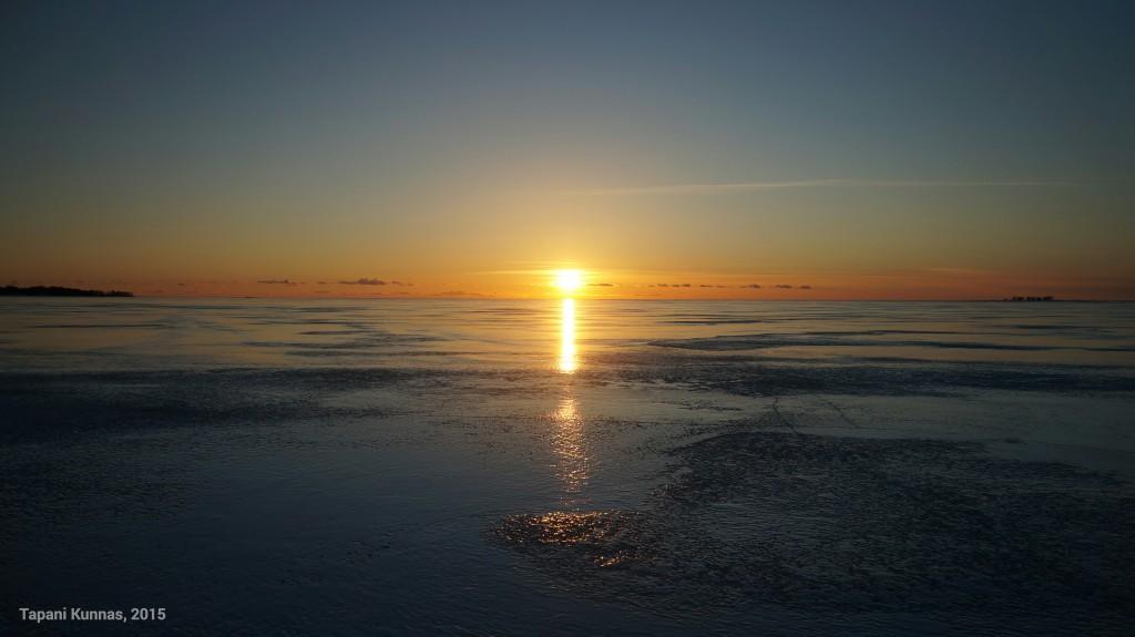 Hetki ennen auringonlaskua.