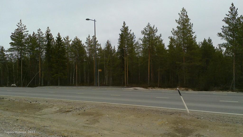 Jos on matkalla metsään, voi jäädä bussin kyydistä tällä pysäkillä.