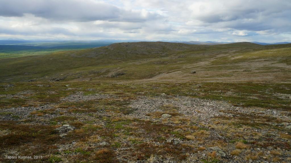 Maastonmuodoista voi päätellä, mihin suuntaan jäätikkö on tässä jääkauden aikaan liikkunut.