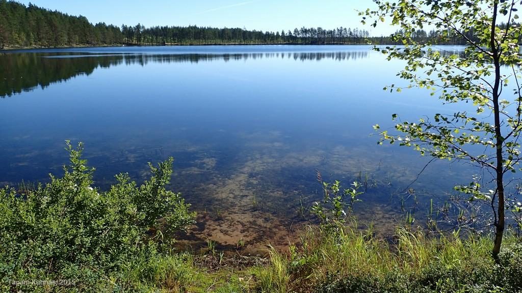 Myös Hautajärvi on kirkasvetinen.
