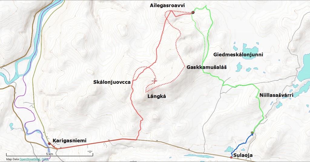Vaelluksen reitti. Torstai-ilta sinisellä (2 km), perjantai vihreällä (13 km) ja lauantai punaisella (16 km). Suunniteltu reitti merkitty pisteviivoilla. Punaisella pisteviivalla merkityn reitin oli tarkoitus sisältää vielä yksi yöpyminen maastossa.