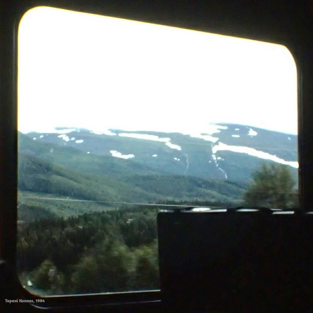 Train to Trondheim. Sir Douglas Quintetin laulu ei kuitenkaan taida kertoa tästä junamatkasta.