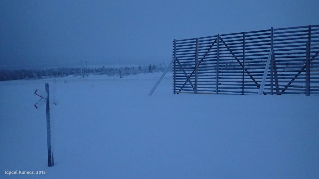 Lumiaidan pohjoispää. Tästä jatkan nelostien yli ja sitten alkaa kiipeäminen Urupäälle.
