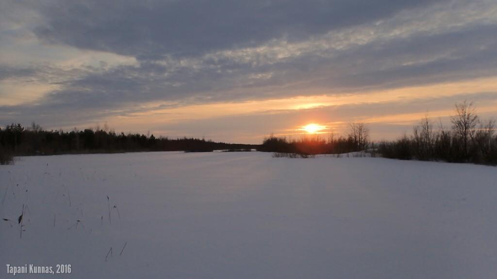 Auringonlasku lähestyy.