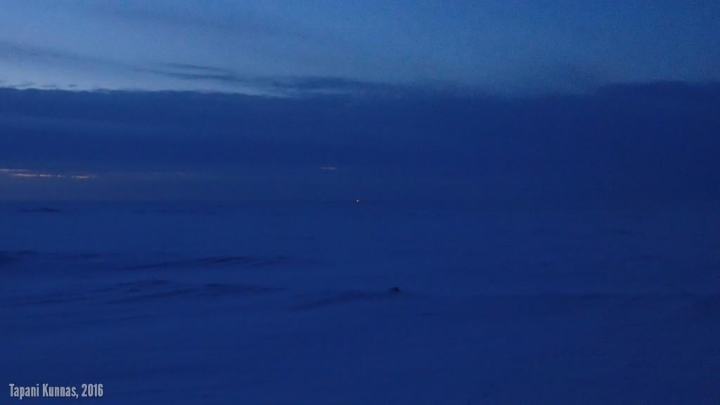 Taivaanrannan valopilkku on jäänmurtaja Kontio.