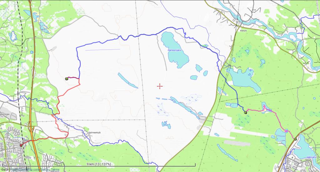 Retken reitti. Perjantai-iltana (violetti) 4,1 km; lauantaina (sininen) 13,7 km ja sunnuntaina (punainen) 7,2 km.