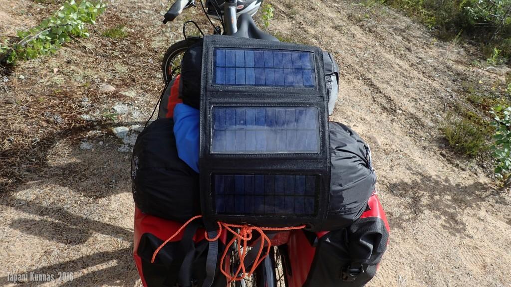 Aurinkovoimala pyörän päällä.