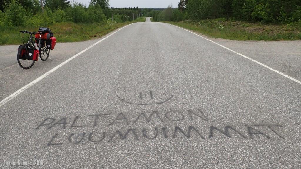 Teksti asfaltissa. Mitä tarkoittaneekaan?