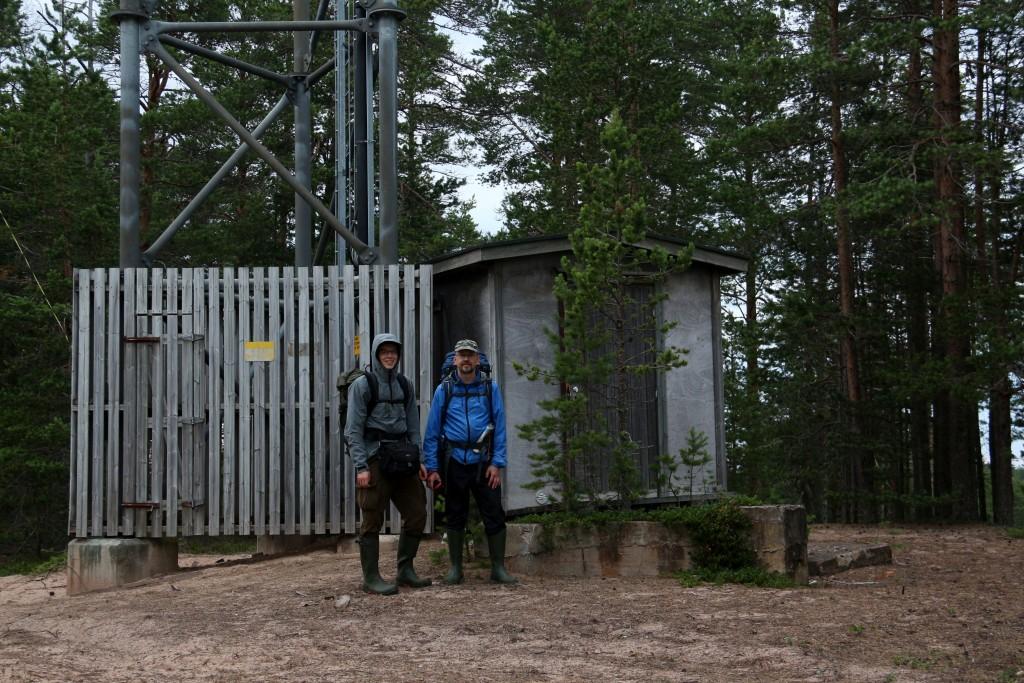 Karpaasit huipulla. Kuva otettu Aki Ihanajärven (vas.) kameralla.