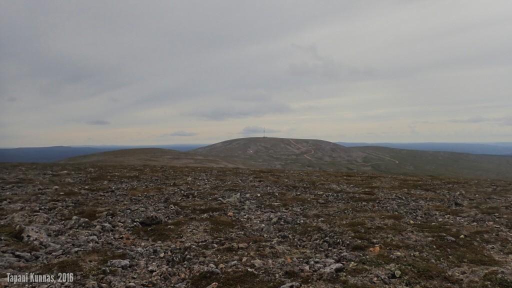 Näkymä Gaskkamušalášilta Láŋkán suuntaan.